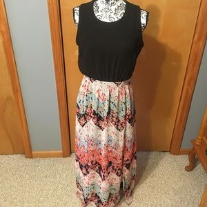 M Heart Soul Sleeveless Maxi Dress w/Floral Print